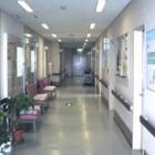 1階診察病棟です。車椅子で行き来しやすくなっています。