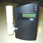 呼気一酸化炭素濃度計です。