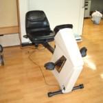 体力をつけるためのエアロバイクも用意しています。